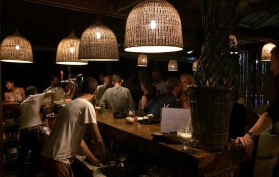 sun deck bar busy at night