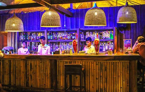 Sun Deck Beach Bar's night colors